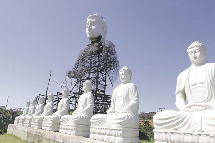 Resultado de imagem para 15 budas mosteiro